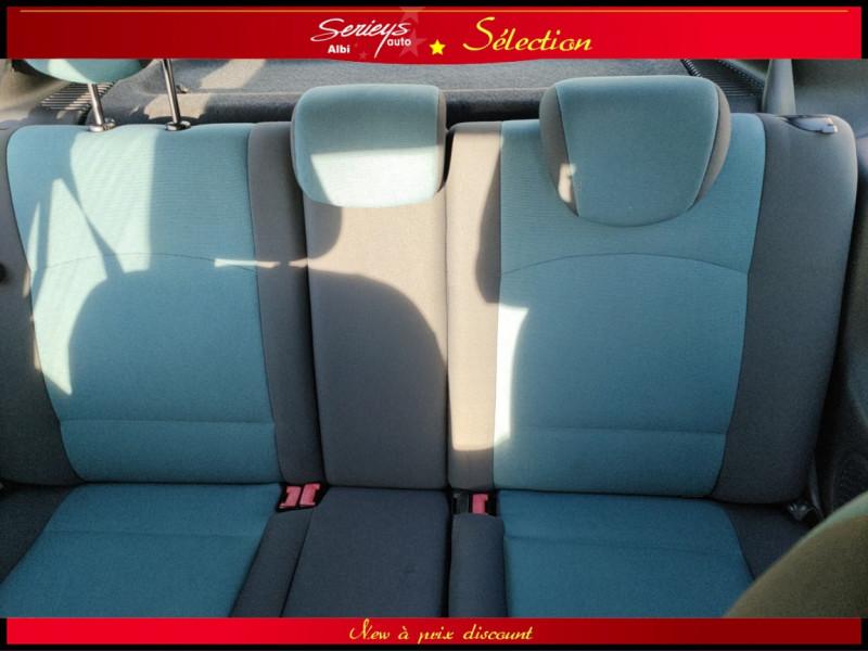 Photo 5 de l'offre de RENAULT CLIO Billabong 1.2i 16V 3Pte Distri + CTOK à 2800€ chez Garage Serieys Auto
