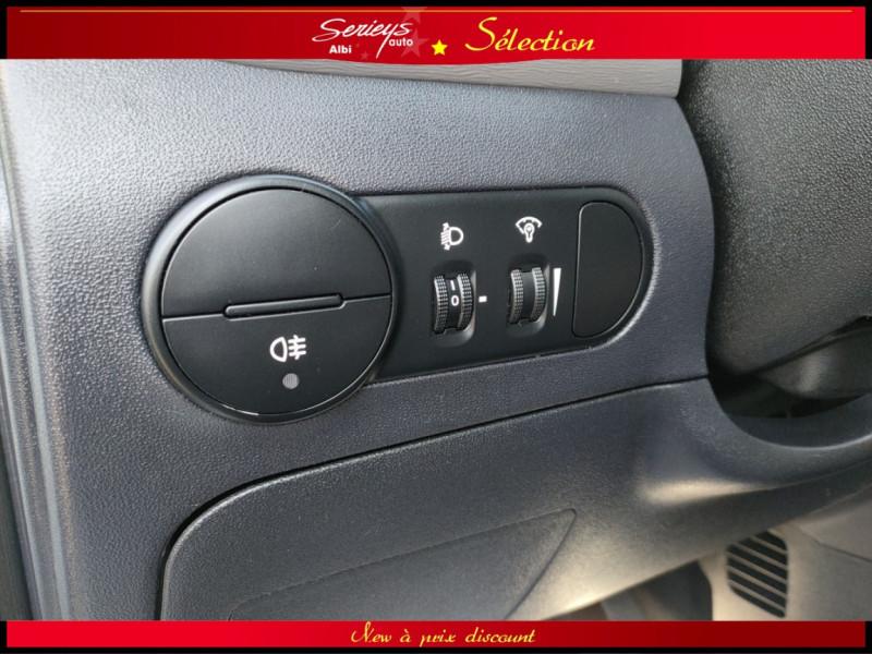 Photo 6 de l'offre de HYUNDAI i10 Pack 1.1 CRDi 75 - A SAISIR à 3980€ chez Garage Serieys Auto