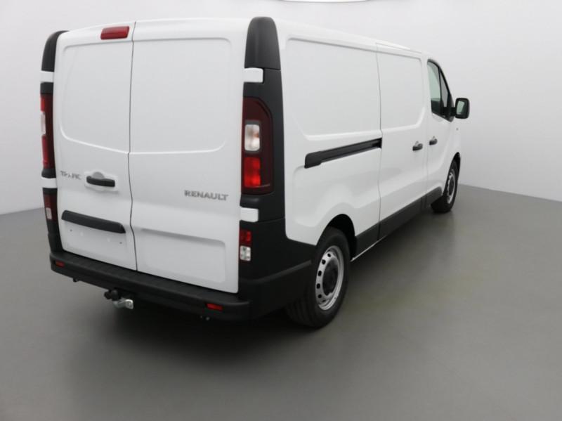 Photo 12 de l'offre de RENAULT TRAFIC FGN GRAND CONFORT DCI 145 L2H1 Attelage+GPS+GRIP à 28580€ chez Garage Serieys Auto