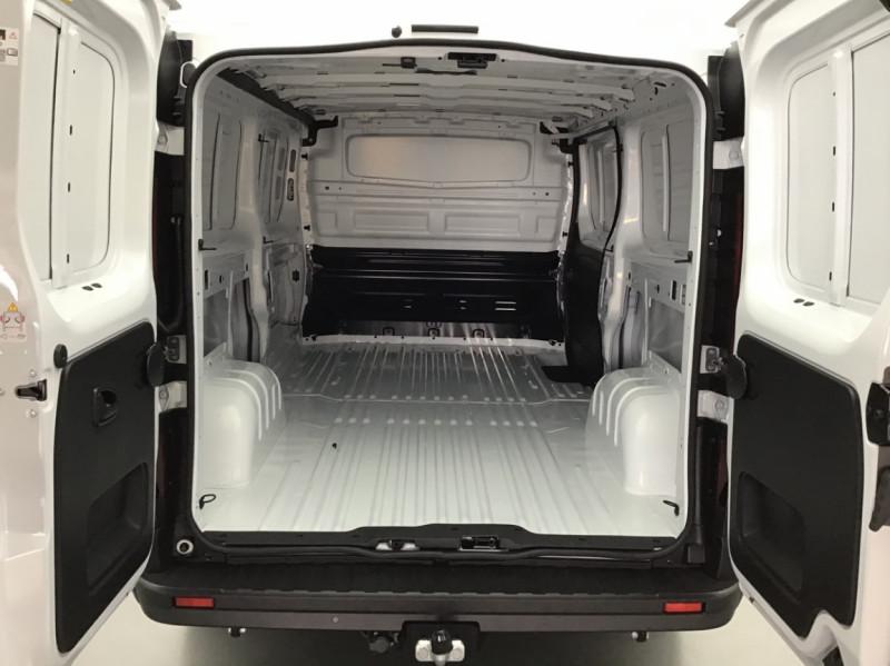 Photo 10 de l'offre de RENAULT TRAFIC FGN GRAND CONFORT DCI 145 L2H1 Attelage+GPS+GRIP à 28580€ chez Garage Serieys Auto