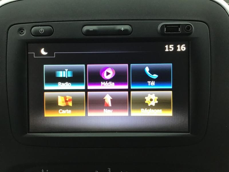 Photo 2 de l'offre de RENAULT TRAFIC FGN GRAND CONFORT DCI 145 L2H1 Attelage+GPS+GRIP à 28580€ chez Garage Serieys Auto