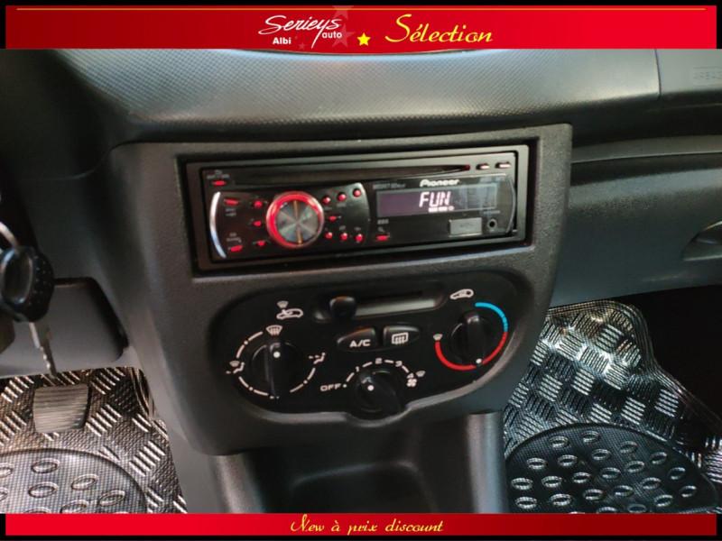 Photo 15 de l'offre de PEUGEOT 206+ URBAN 1.4 HDi 70 CLIM à 4980€ chez Garage Serieys Auto