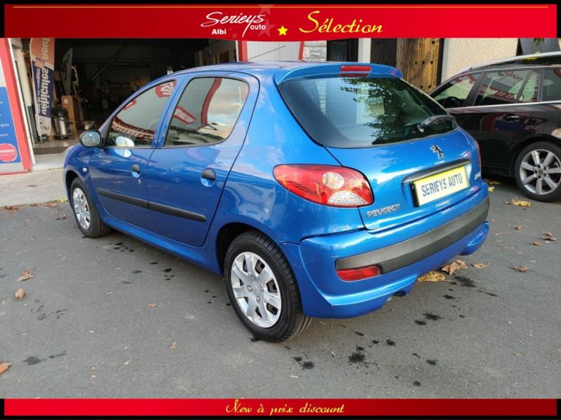 Photo 16 de l'offre de PEUGEOT 206+ URBAN 1.4 HDi 70 CLIM à 4980€ chez Garage Serieys Auto