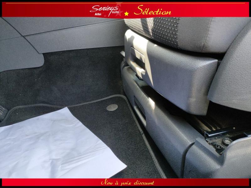 Photo 10 de l'offre de VOLKSWAGEN TOURAN Confort line 1.6 TDI 105 JA à 10480€ chez Garage Serieys Auto