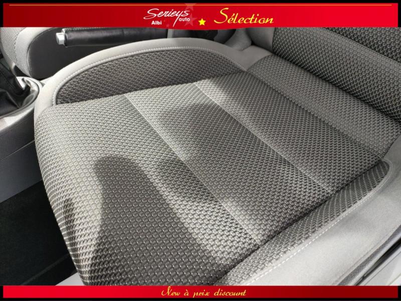Photo 8 de l'offre de VOLKSWAGEN TOURAN Confort line 1.6 TDI 105 JA à 10480€ chez Garage Serieys Auto
