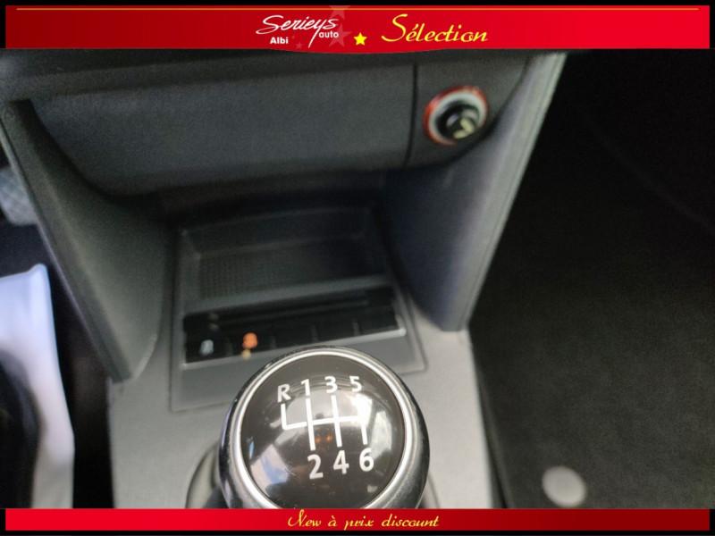 Photo 27 de l'offre de VOLKSWAGEN TOURAN Confort line 1.6 TDI 105 JA à 10480€ chez Garage Serieys Auto
