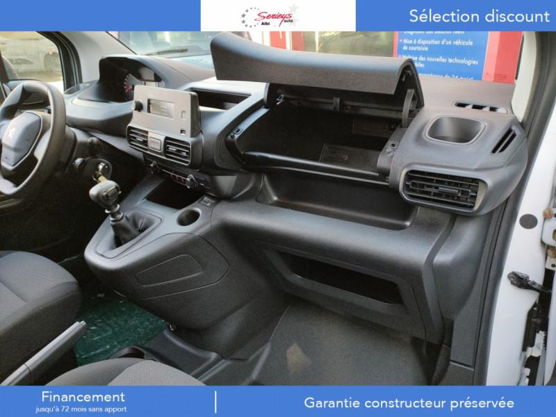 Photo 19 de l'offre de PEUGEOT PARTNER FGN PRO PURETECH 110 CLIM+REGUL+2P à 15980€ chez Garage Serieys Auto