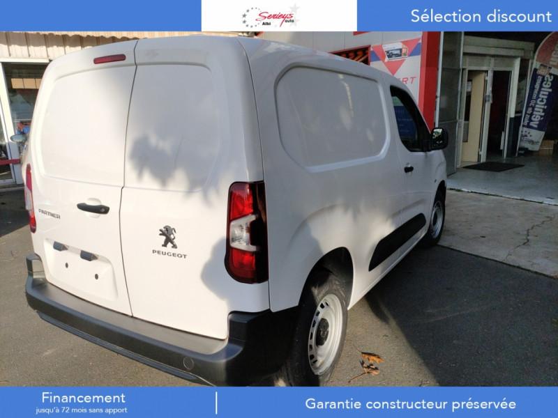 Photo 16 de l'offre de PEUGEOT PARTNER FGN PRO PURETECH 110 CLIM+REGUL+2P à 15980€ chez Garage Serieys Auto
