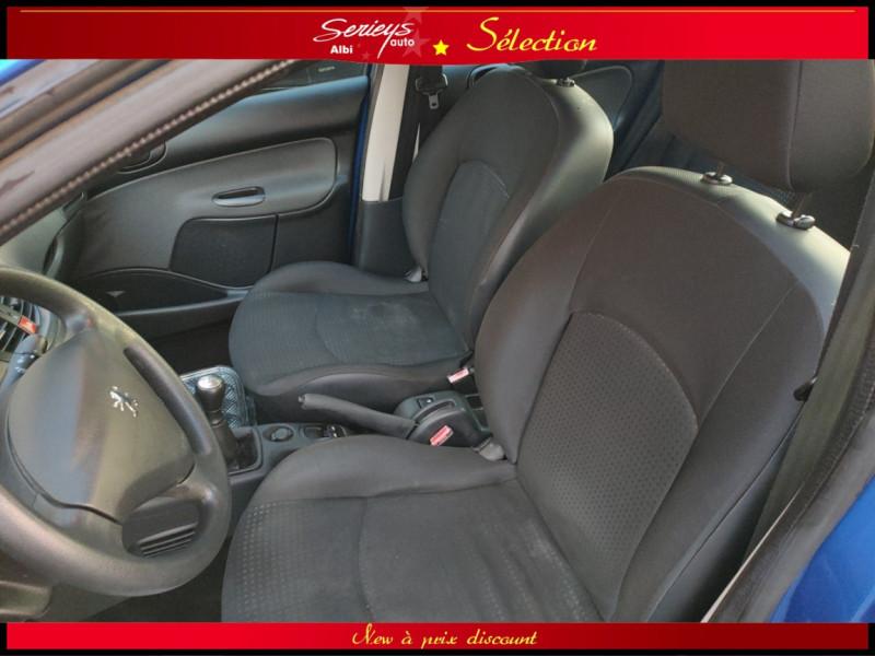 Photo 8 de l'offre de PEUGEOT 206+ URBAN 1.4 HDi 70 CLIM à 4980€ chez Garage Serieys Auto