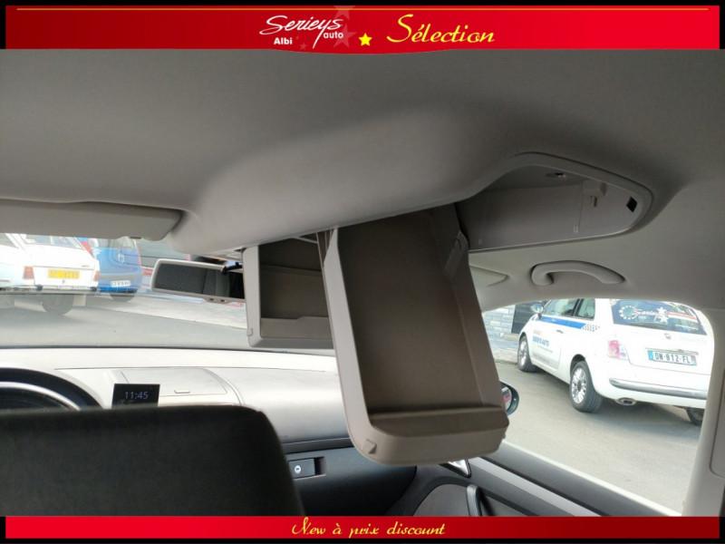 Photo 6 de l'offre de VOLKSWAGEN TOURAN Confort line 1.6 TDI 105 JA à 9980€ chez Garage Serieys Auto