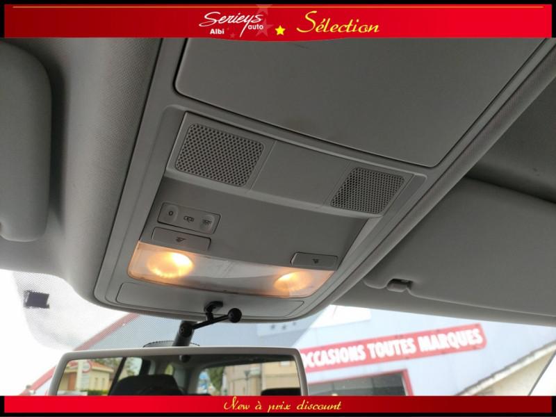 Photo 4 de l'offre de VOLKSWAGEN TOURAN Confort line 1.6 TDI 105 JA à 9980€ chez Garage Serieys Auto