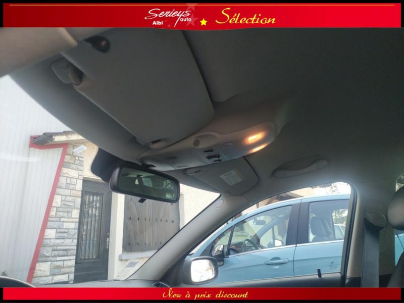 Photo 26 de l'offre de CADILLAC BLS SW 1.9 D 180 Sport Luxury Boite Auto à 8980€ chez Garage Serieys Auto