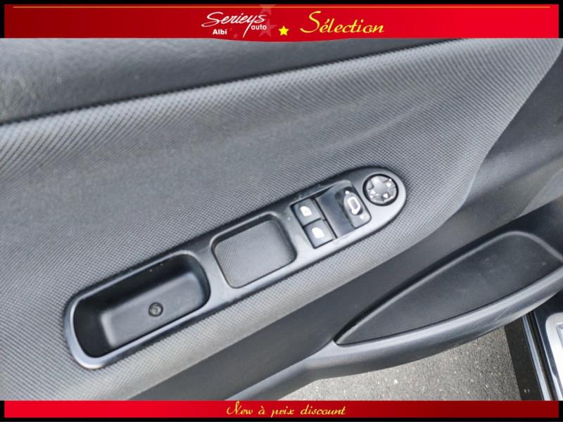 Photo 10 de l'offre de PEUGEOT 207 CC Série 64 1.6 HDi 112  à 6880€ chez Garage Serieys Auto
