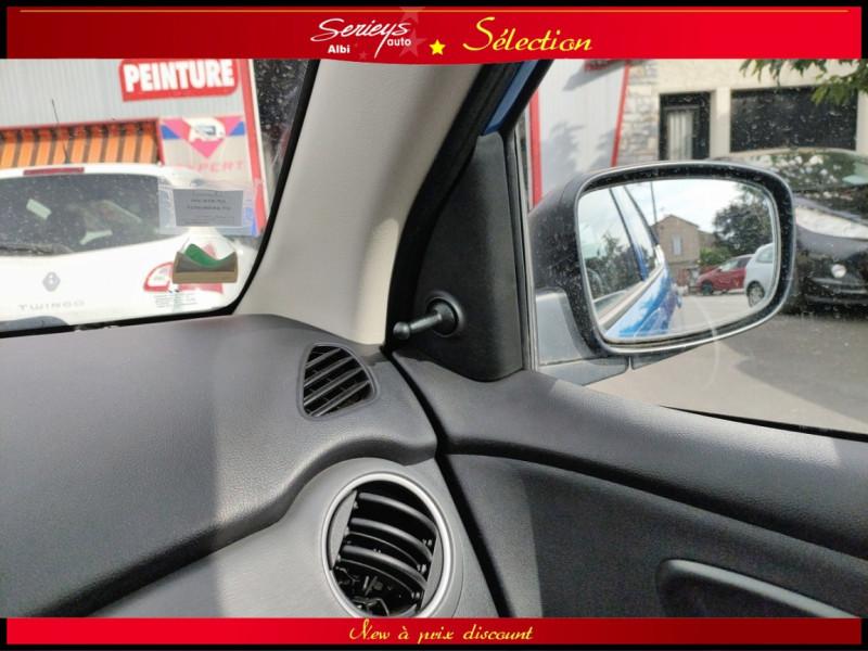 Photo 15 de l'offre de HYUNDAI i10 Pack Clim 1.2 65 CV à 4400€ chez Garage Serieys Auto