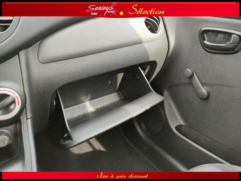 Photo 11 de l'offre de HYUNDAI i10 Pack Clim 1.2 65 CV à 4400€ chez Garage Serieys Auto