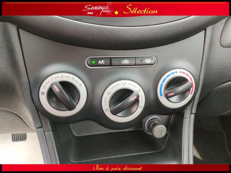 Photo 5 de l'offre de HYUNDAI i10 Pack Clim 1.2 65 CV à 4400€ chez Garage Serieys Auto