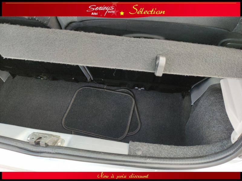 Photo 14 de l'offre de PEUGEOT 107 Trendy 1.0 12V 68 5 PTES RAS CLIM à 4480€ chez Garage Serieys Auto