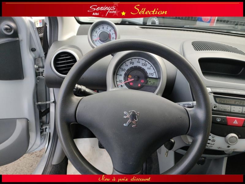 Photo 9 de l'offre de PEUGEOT 107 Trendy 1.0 12V 68 5 PTES RAS CLIM à 4480€ chez Garage Serieys Auto