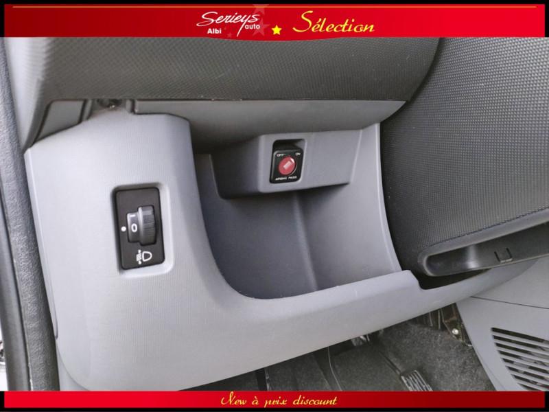 Photo 6 de l'offre de PEUGEOT 107 Trendy 1.0 12V 68 5 PTES RAS CLIM à 4480€ chez Garage Serieys Auto