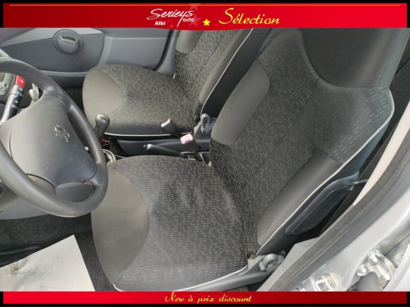 Photo 7 de l'offre de PEUGEOT 107 Trendy 1.0 12V 68 5 PTES RAS CLIM à 4480€ chez Garage Serieys Auto