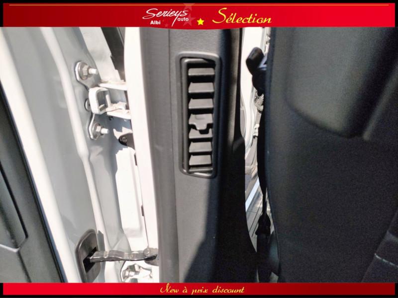 Photo 11 de l'offre de RENAULT SCENIC IV Intens DCI 110 Distri+Pneu Neuf à 13980€ chez Garage Serieys Auto