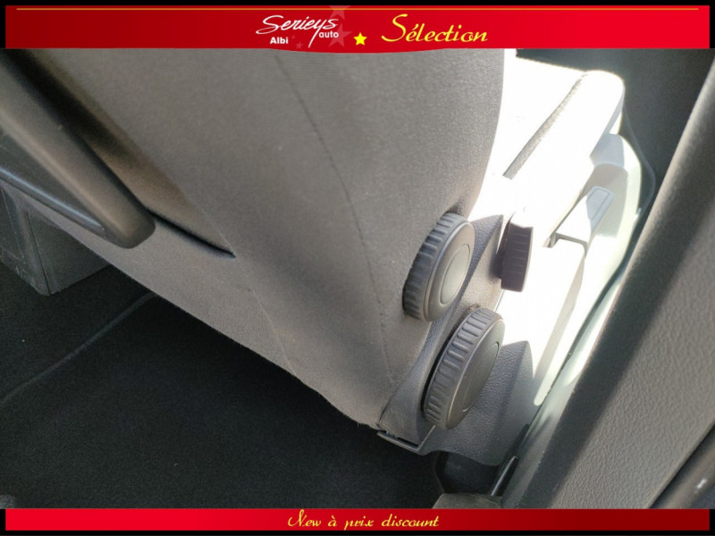 Photo 29 de l'offre de VOLKSWAGEN TOURAN Confort line 1.6 TDI 105 JA à 9880€ chez Garage Serieys Auto