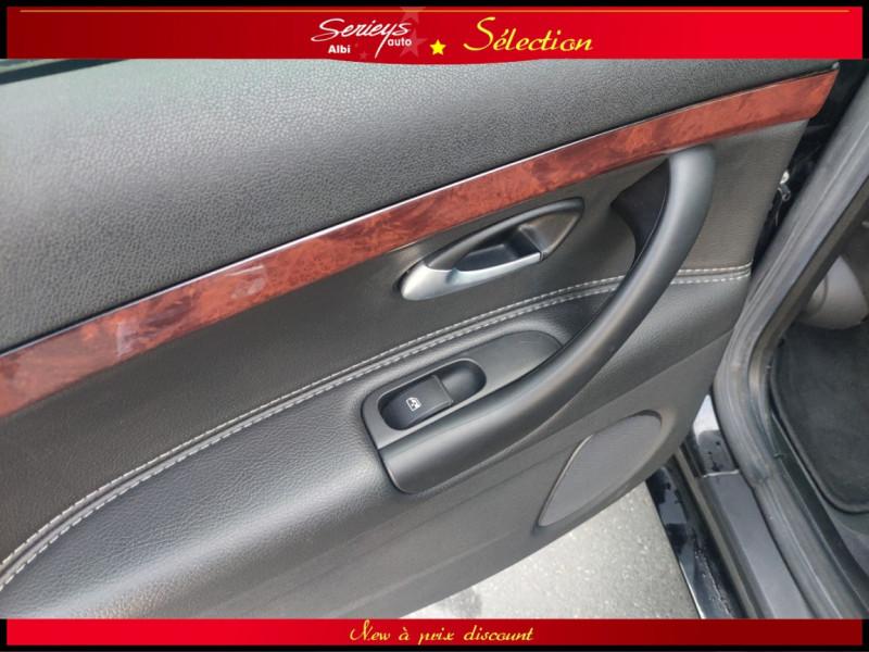 Photo 7 de l'offre de CADILLAC BLS SW 1.9 D 180 Sport Luxury Boite Auto à 8880€ chez Garage Serieys Auto