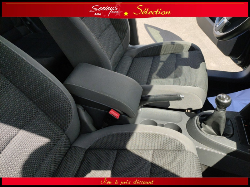 Photo 6 de l'offre de VOLKSWAGEN TOURAN Confort line 1.6 TDI 105 JA à 9880€ chez Garage Serieys Auto