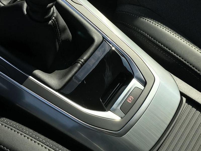 Photo 22 de l'offre de PEUGEOT 308 Allure Pack BlueHDi 130 EAT8 Led+JA16 à 24680€ chez Garage Serieys Auto