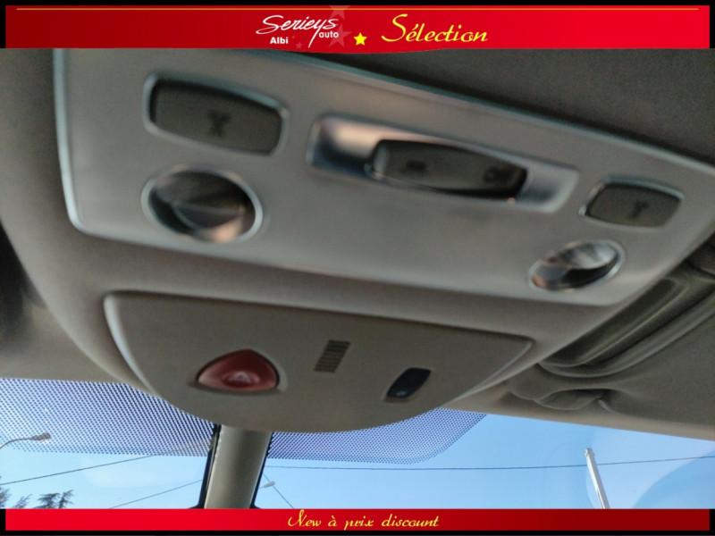 Photo 24 de l'offre de RENAULT ESPACE IV Initiale Paris DCI 175 Cuir+TO à 8980€ chez Garage Serieys Auto