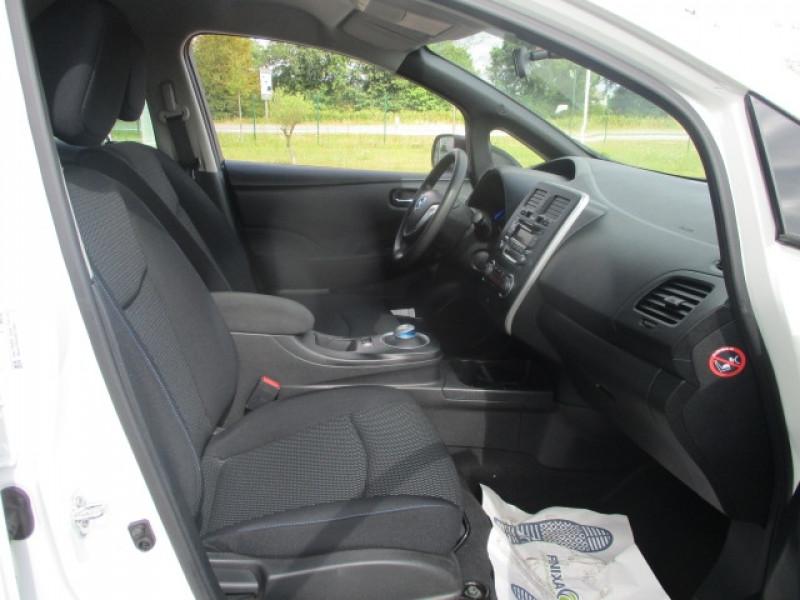 Photo 5 de l'offre de NISSAN LEAF 109CH 24KWH VISIA PACK à 10490€ chez AUTOMOBILES DE A A Z DOMALAIN