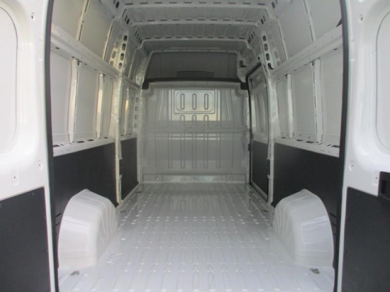 Photo 5 de l'offre de CITROEN JUMPER FG 4-35 L3H3 2.0 BLUEHDI 160 CLUB à 25990€ chez AUTOMOBILES DE A A Z DOMALAIN
