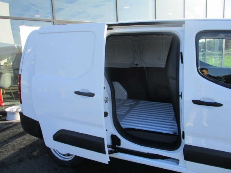 Photo 5 de l'offre de CITROEN BERLINGO VAN XL 950KG BLUEHDI 100 S&S CONTROL à 17990€ chez AUTOMOBILES DE A A Z DOMALAIN
