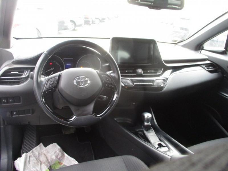 Photo 6 de l'offre de TOYOTA C-HR 122H DYNAMIC BUSINESS 2WD E-CVT à 17990€ chez AUTOMOBILES DE A A Z DOMALAIN