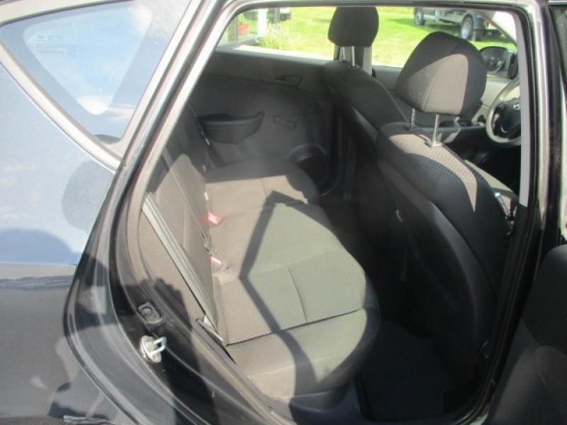 Photo 9 de l'offre de HYUNDAI I30 1.6 CRDI90 CLIM 5P à 5990€ chez AUTOMOBILES DE A A Z DOMALAIN
