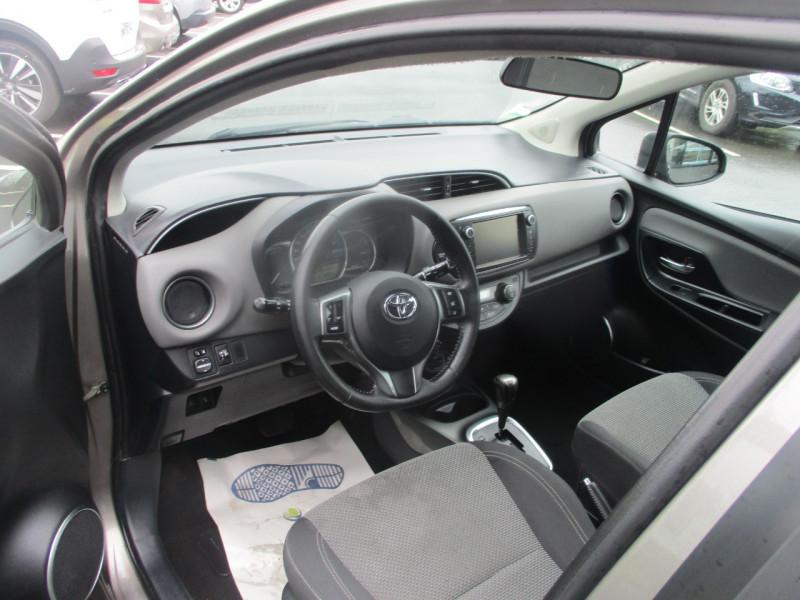 Photo 6 de l'offre de TOYOTA YARIS HSD 100H BUSINESS 5P à 10990€ chez AUTOMOBILES DE A A Z DOMALAIN
