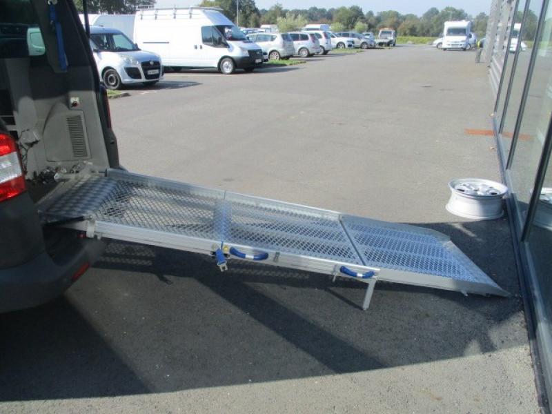 Photo 12 de l'offre de VOLKSWAGEN TRANSPORTER 2.0 TDI 140 TPMR 6 PLACES à 23990€ chez AUTOMOBILES DE A A Z DOMALAIN