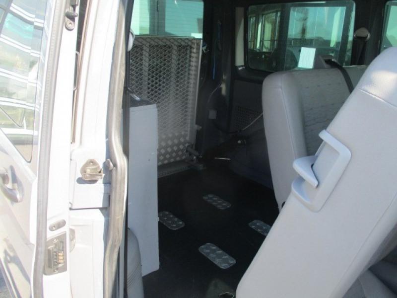 Photo 10 de l'offre de VOLKSWAGEN TRANSPORTER 2.0 TDI 140 TPMR 6 PLACES à 23990€ chez AUTOMOBILES DE A A Z DOMALAIN