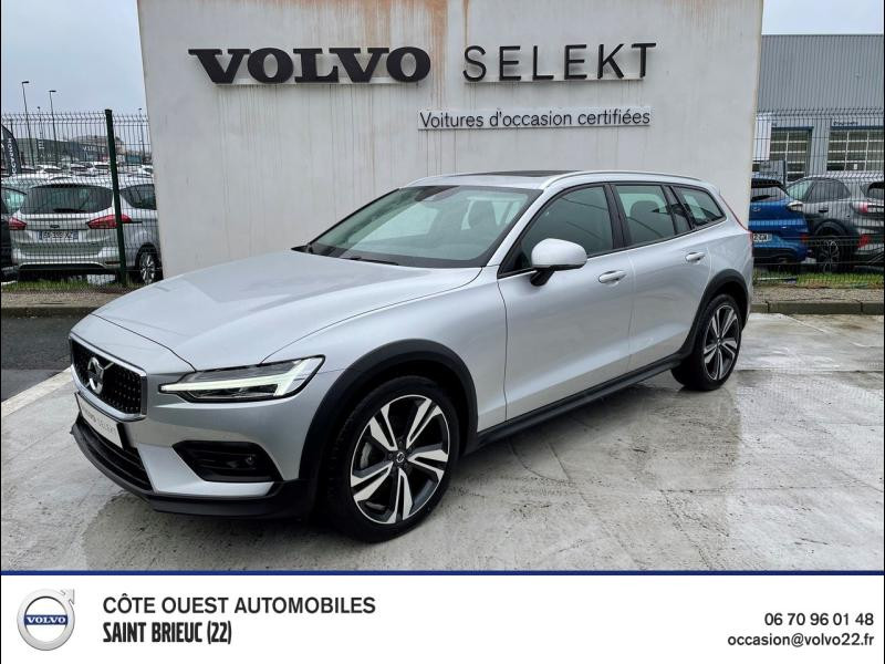 Volvo V60 Cross Country D4 190ch AWD Cross Country Pro Geartronic Diesel Argent Brillant Métallisé Occasion à vendre
