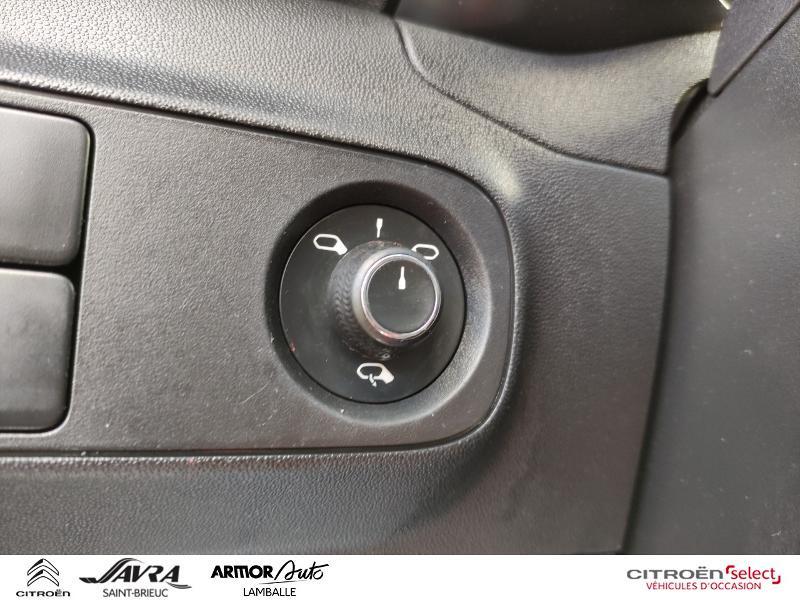 Photo 18 de l'offre de CITROEN C3 BlueHDi 100ch Feel S&S E6.d-TEMP à 11790€ chez Citroën SAVRA