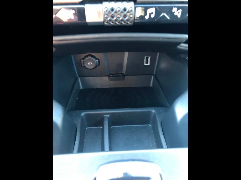 Photo 18 de l'offre de DS DS 7 Crossback BlueHDi 180ch Grand Chic Automatique 128g à 37590€ chez Citroen Saint-Brieuc Savra