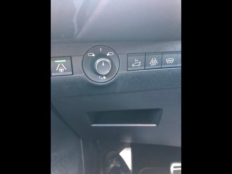 Photo 12 de l'offre de DS DS 7 Crossback BlueHDi 180ch Grand Chic Automatique à 46990€ chez Citroen Saint-Brieuc Savra