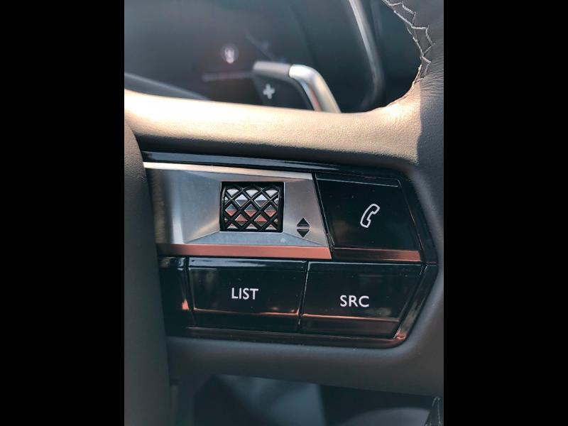 Photo 14 de l'offre de DS DS 7 Crossback BlueHDi 180ch Grand Chic Automatique à 46990€ chez Citroen Saint-Brieuc Savra