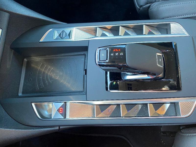 Photo 8 de l'offre de DS DS 3 Crossback PureTech 130ch Grand Chic Automatique 109g à 33990€ chez Citroen Saint-Brieuc Savra