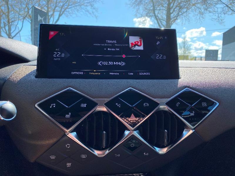 Photo 12 de l'offre de DS DS 3 Crossback PureTech 130ch Grand Chic Automatique 109g à 33990€ chez Citroen Saint-Brieuc Savra