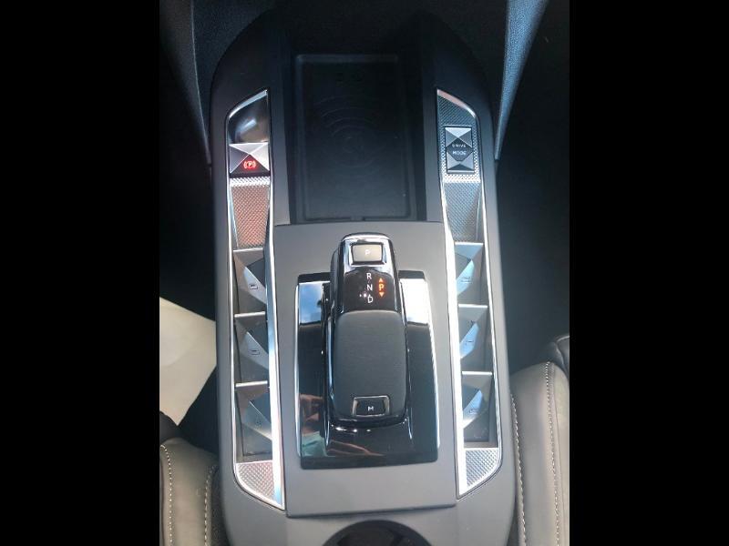 Photo 17 de l'offre de DS DS 3 Crossback BlueHDi 130ch Grand Chic Automatique 98g à 32990€ chez Citroen Saint-Brieuc Savra