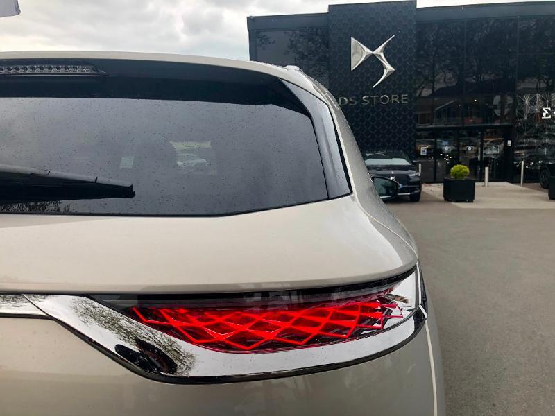 Photo 7 de l'offre de DS DS 7 Crossback E-TENSE 4x4 300ch Grand Chic à 63690€ chez Citroën SAVRA