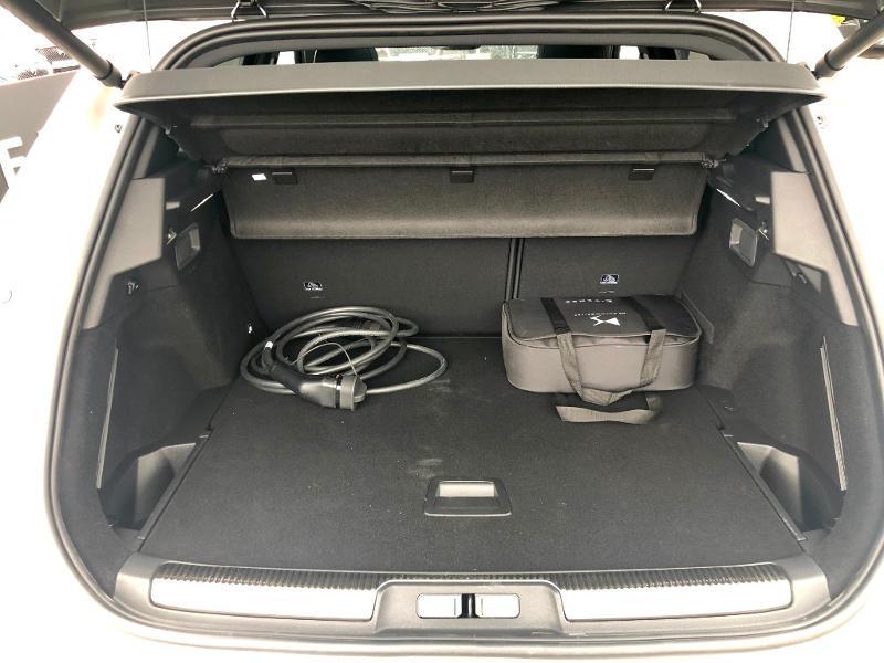 Photo 32 de l'offre de DS DS 7 Crossback E-TENSE 4x4 300ch Grand Chic à 63690€ chez Citroën SAVRA