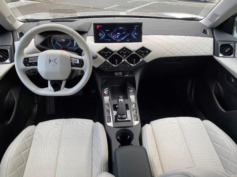 Photo 8 de l'offre de DS DS 3 Crossback E-Tense Grand Chic 4cv à 35990€ chez Citroën SAVRA