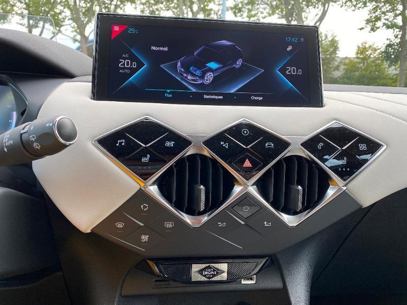 Photo 14 de l'offre de DS DS 3 Crossback E-Tense Grand Chic 4cv à 35990€ chez Citroën SAVRA